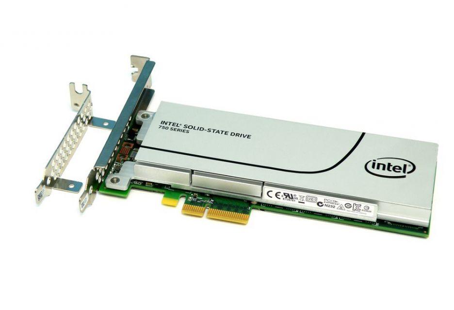 Intel SSD 750 – standard NVMe trafia pod strzechy | zdjęcie 1