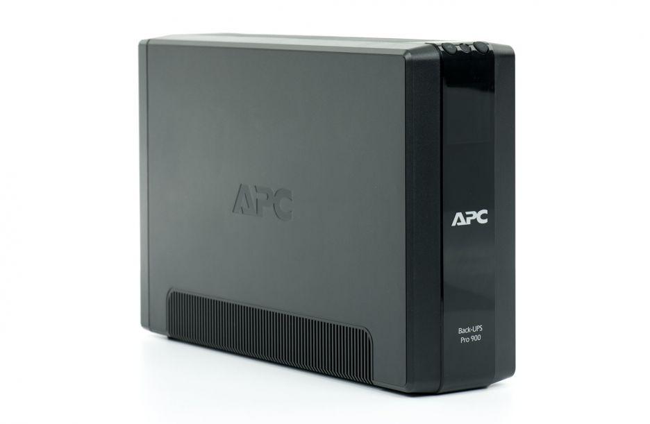 APC Back-UPS Pro 900 – zasilacz awaryjny dla mocnej stacji roboczej | zdjęcie 1