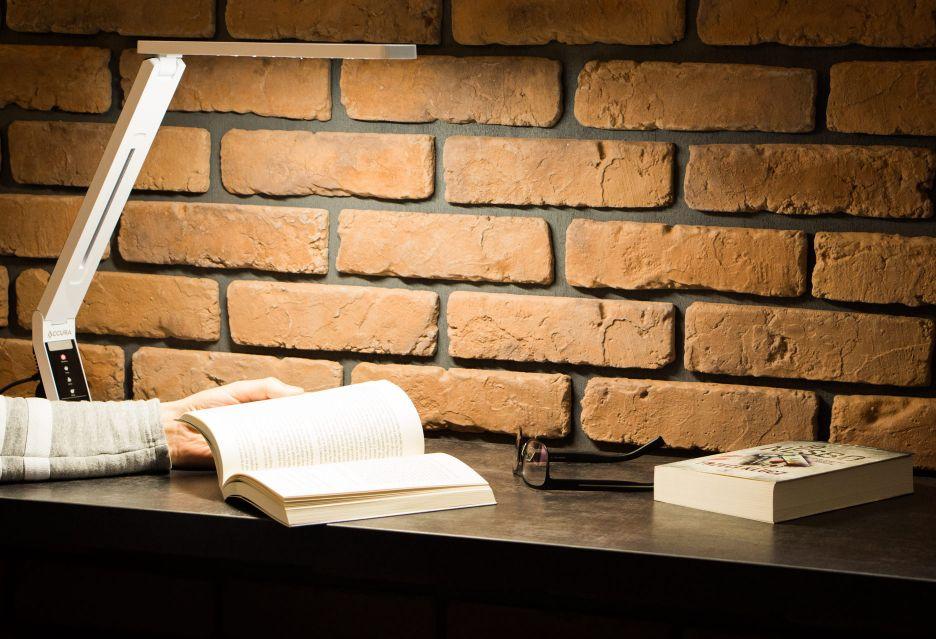 Accura Prestige - funkcjonalna i designerska lampa biurkowa | zdjęcie 1