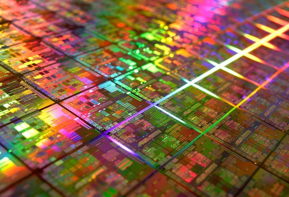 AMD Ryzen vs Intel Skylake-X - porównanie powierzchni procesorów