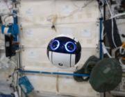 Zdjęcia i filmy za astronautów na Stacji Kosmicznej wykona dron sterowany z Ziemi
