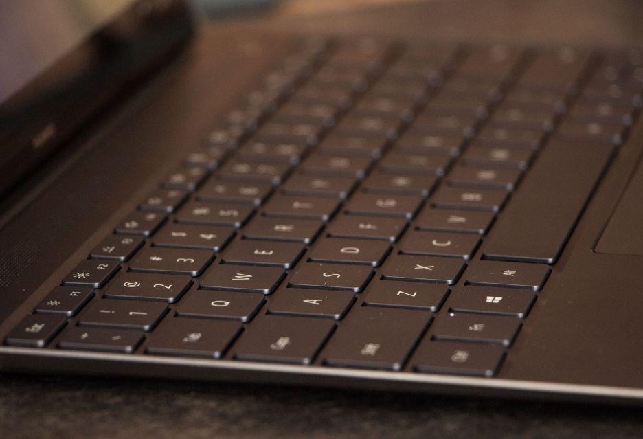Huawei MateBook X - jabłko z Windowsem | zdjęcie 3