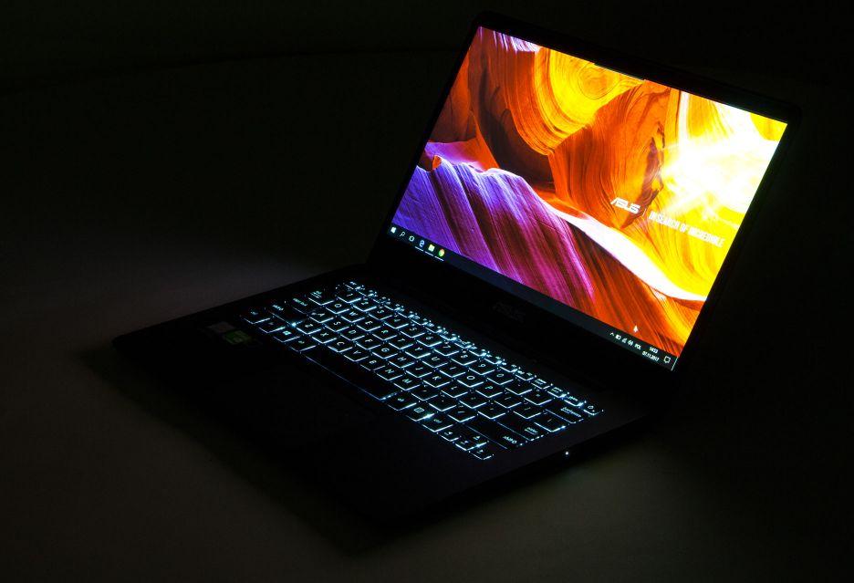 Asus Zenbook UX430U - ultrabook z Intelem ósmej generacji | zdjęcie 4