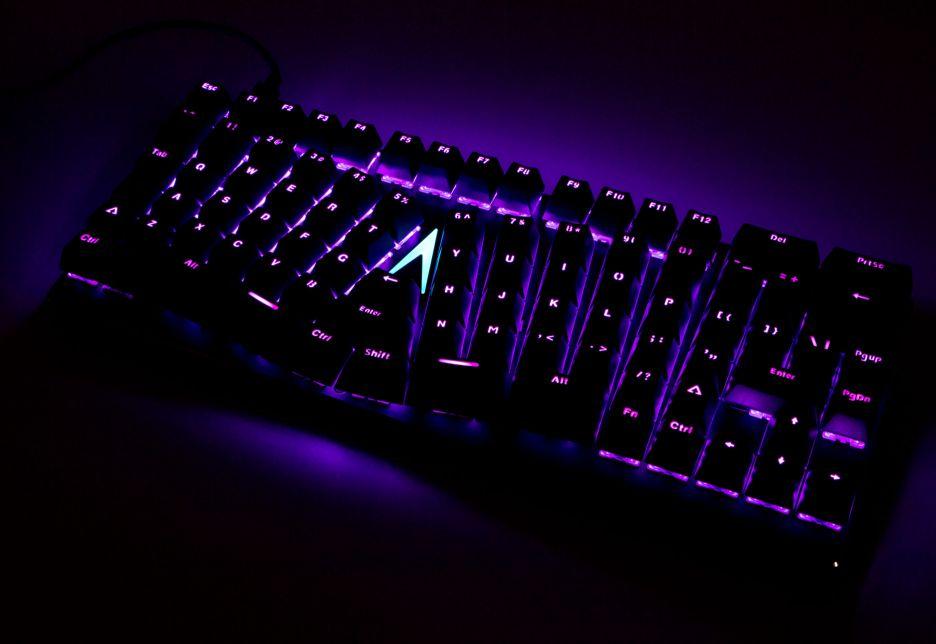 X-Bows Mechanical Ergonomic Keyboard – wszystko w zasięgu palców   zdjęcie 1