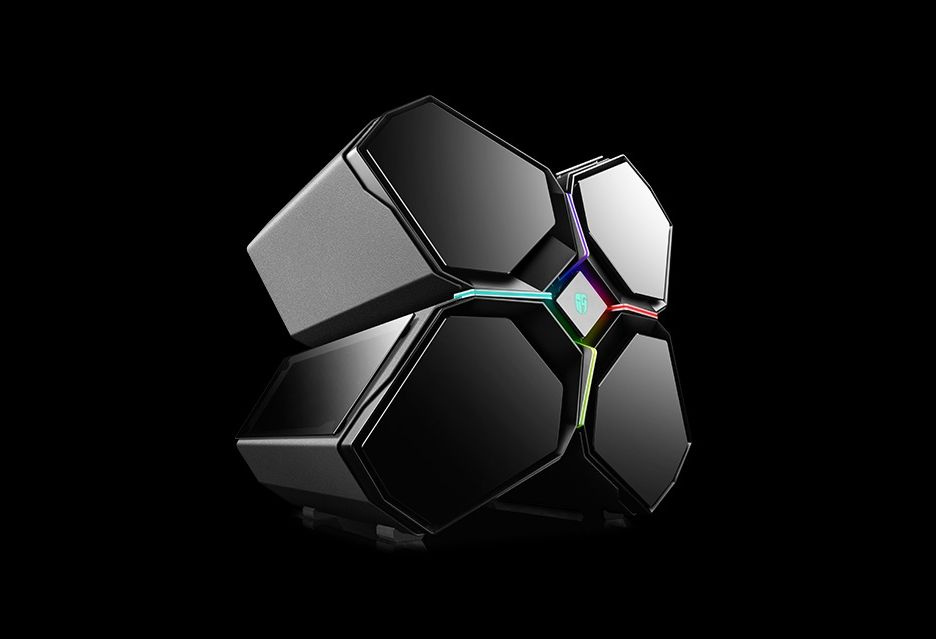Deepcool Quadstellar - fascynująca obudowa w kształcie... statku kosmicznego
