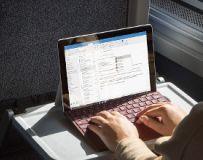 10-calowy tablet Surface Go - polska cena