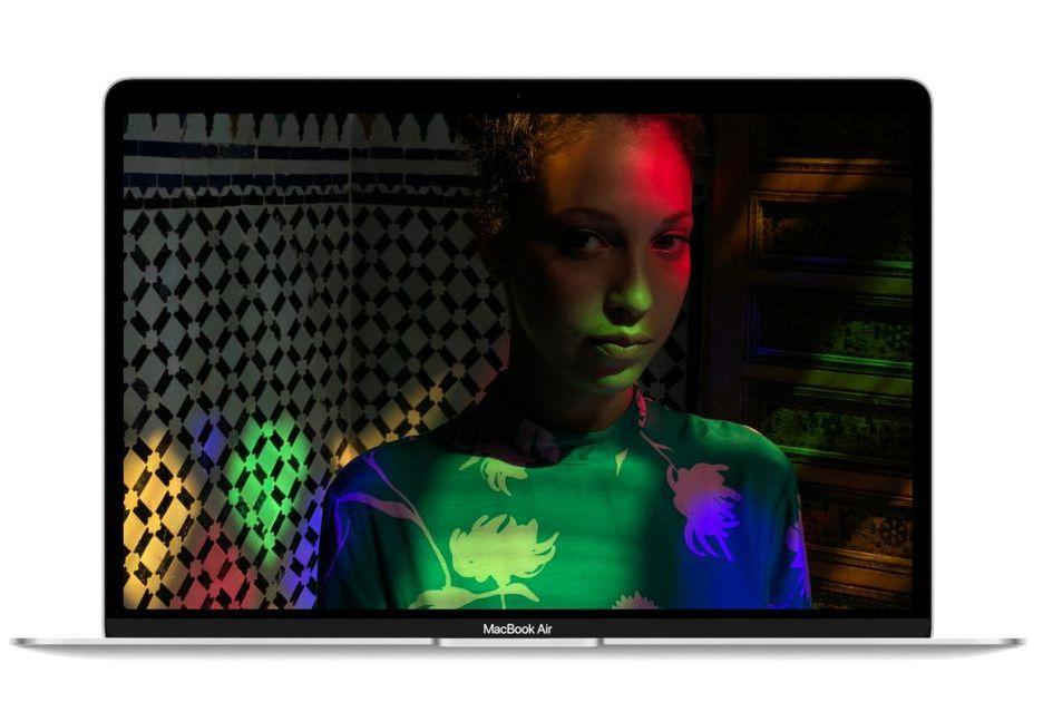 Apple prezentuje nowego MacBooka Air - kompaktowy laptop w końcu z ekranem Retina