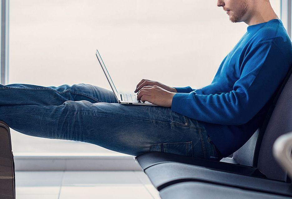 Kiano Elegance 14.2 PRO - elegancki laptop biznesowy w dobrej cenie