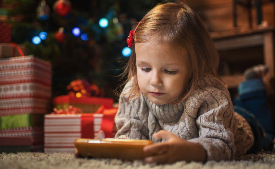 Pierwszy smartfon prezentem na święta - podpowiadamy który wybrać | zdjęcie 1