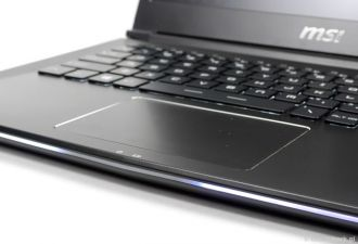 MSI GS30 Shadow touchpad