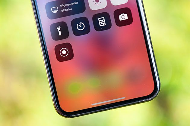 iPhone XS - cienkie ramki