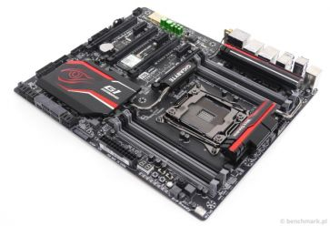 GIGABYTE GA-X99-Gaming 7 WiFi
