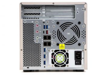 QNAP TS-677