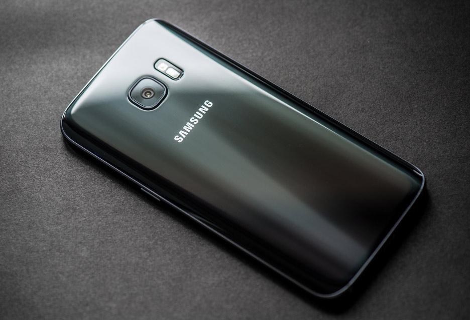Samsung Galaxy S7 – barrakuda w morzu smartfonów | zdjęcie 2