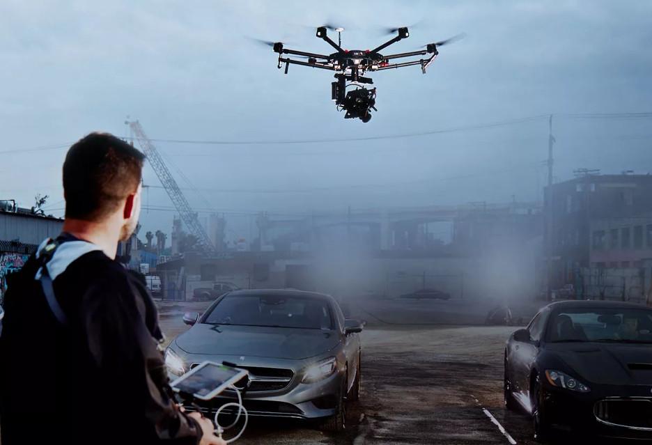 Foto-drony - coś dla każdego i …wręcz przeciwnie