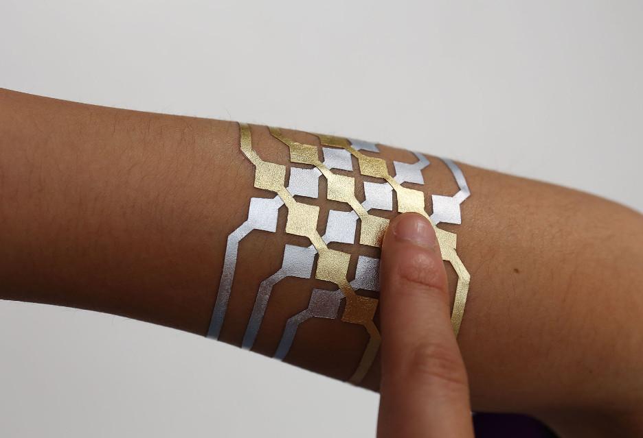 Tatuaż Do Obsługi Smartfona Takie Mamy Czasy