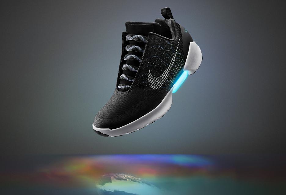 Buty, które wiążą się same - Nike sprawia, że stają się faktem [AKT