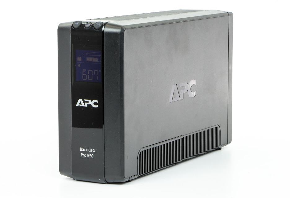 APC Back-UPS Pro 550 – najmniejszy z braci | zdjęcie 3
