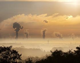 Smog w Polsce - nie jest dobrze. Jak sprawdzić poziom zanieczyszczeń w swoim mieście?