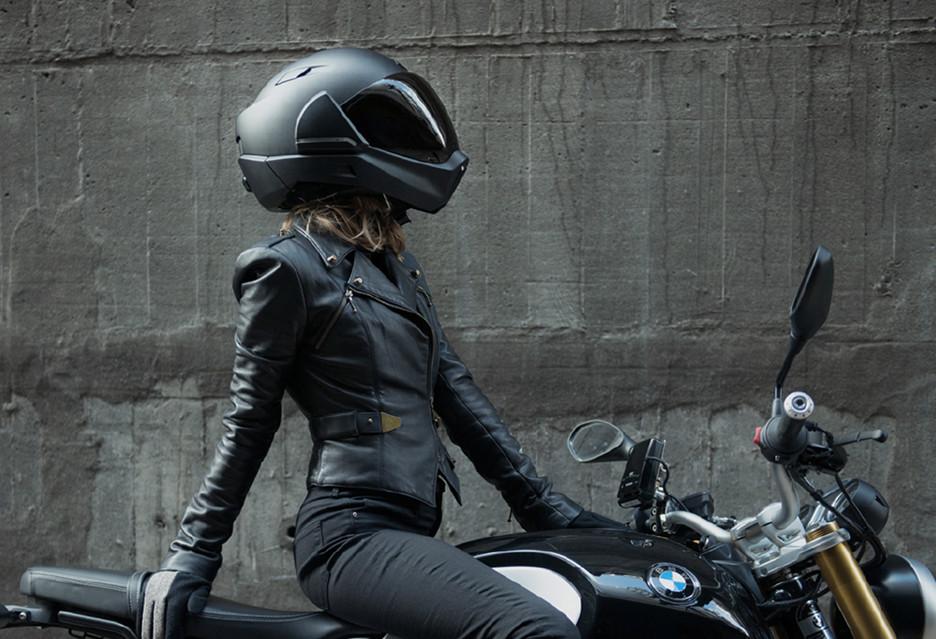 """Kask motocyklowy w wersji """"smart"""""""
