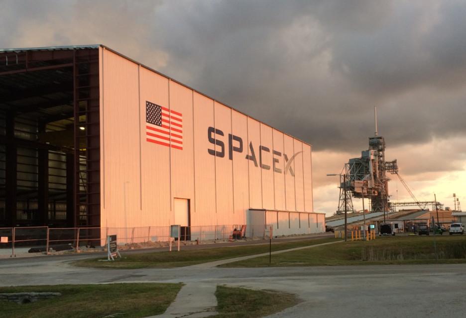 Pracownicy SpaceX lekko nie mają, a odszkodowanie to marna pociecha
