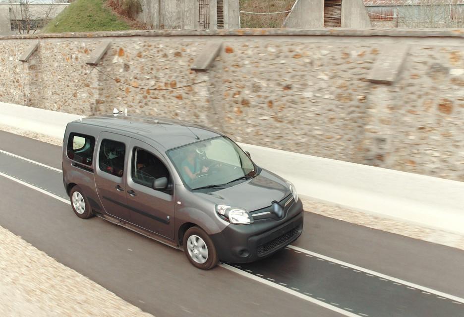 Ładowanie aut podczas jazdy - tak widzą to Qualcomm i Vedecom