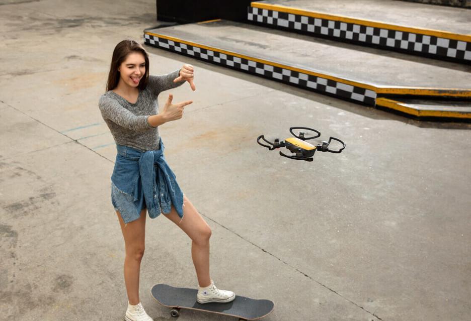 DJI Spark - kieszonkowy dron sterowany gestami