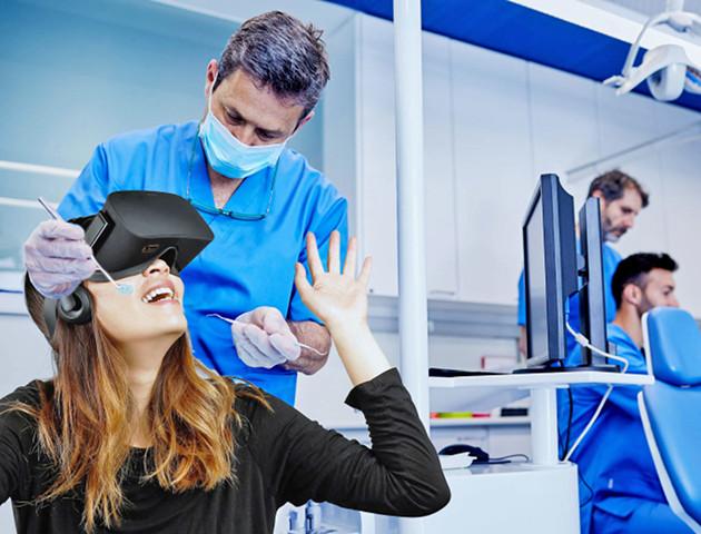 Proszę się położyć i założyć gogle VR, lekarz zaraz przyjdzie