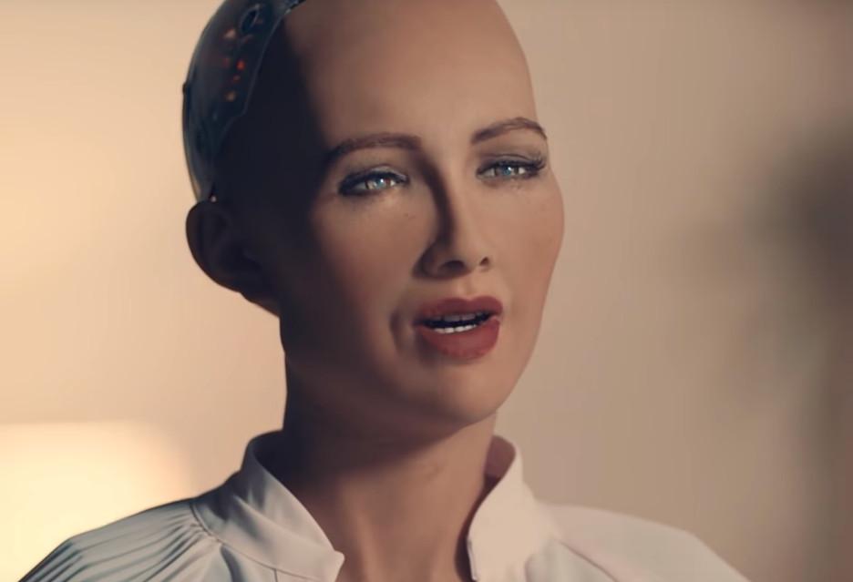 Wywiad z robotem o ludzkiej twarzy