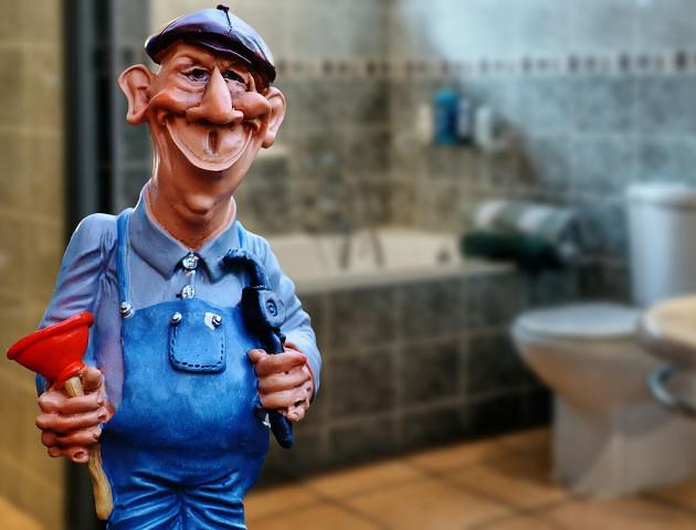 Czytaj umowy, bo możesz (jak 22 000 osób) zgodzić się na czyszczenie toalet