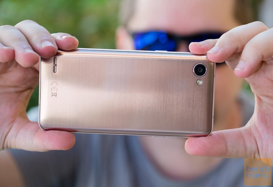 LG Q6 - kwintesencja, ale czego - oto jest pytanie | zdjęcie 3