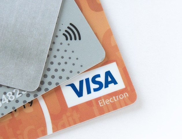 Wyższy limit dla płatności zbliżeniowych bez PIN-u - za i przeciw [AKT.]