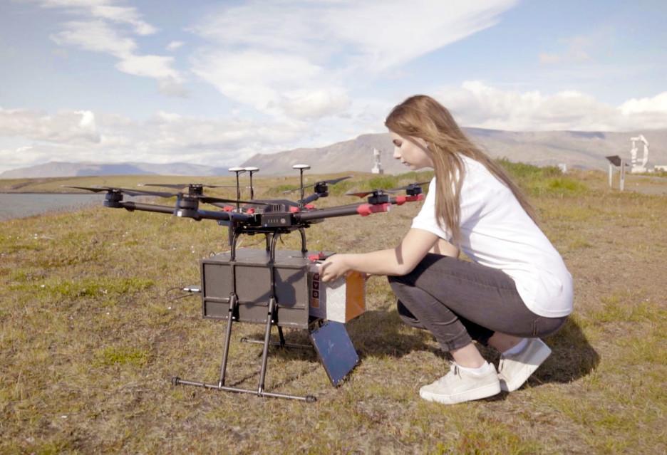 Dronowi kurierzy tam, gdzie są potrzebni