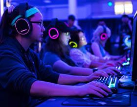 Dobre słuchawki dla graczy - poradnik