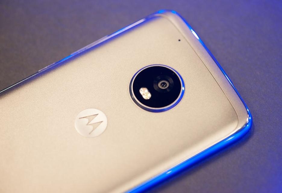 Motorola ujawniła, które smartfony dostaną Androida Oreo