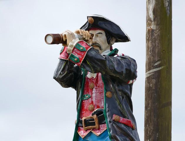 Komisja Europejska zleciła badanie nt.skutków piractwa, alego nie opublikowała