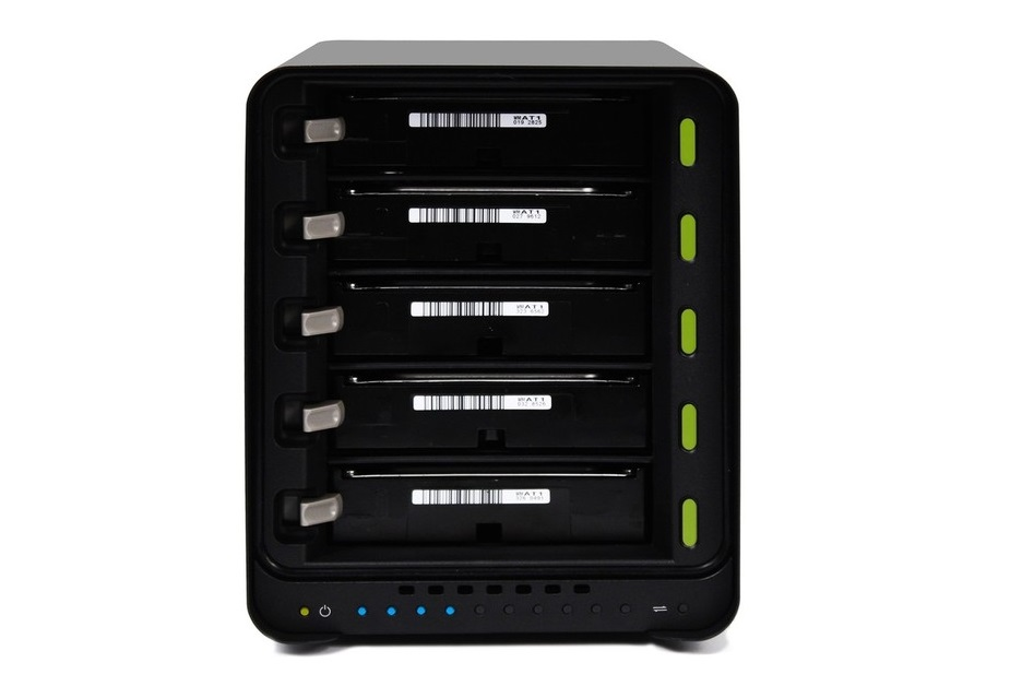 Drobo 5N2 – prosty (w obsłudze) serwer NAS   zdjęcie 3