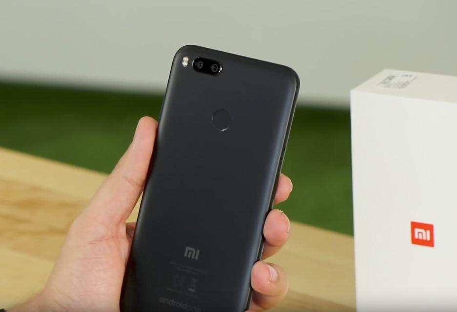 Unboxing Xiaomi Mi A1 - ciekawego smartfona z czystym Androidem