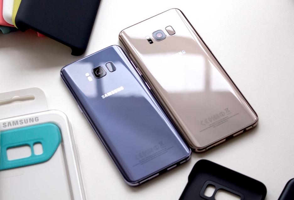 Polacy polubili Galaxy S8  i Galaxy S8+, ale do miłości daleko