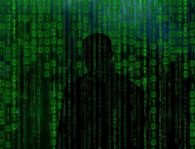 Min. Macierewicz buduje cyberarmię