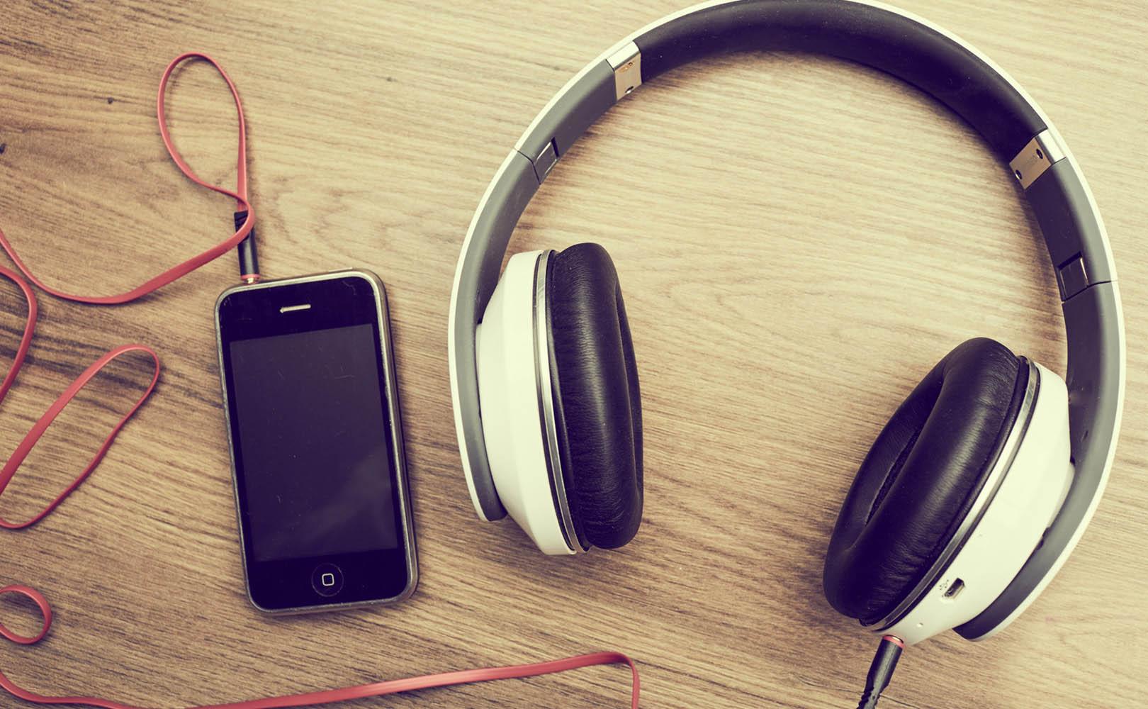 Najlepsze słuchawki wokółuszne do 100, 200 i 500 zł