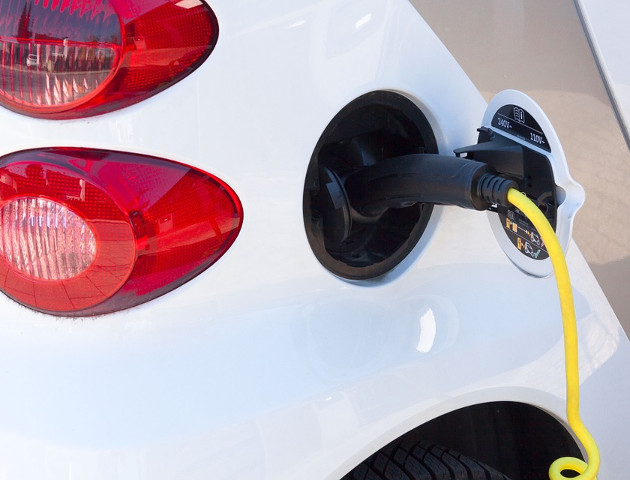Dlaczego Polak ma chcieć kupić auto elektryczne?