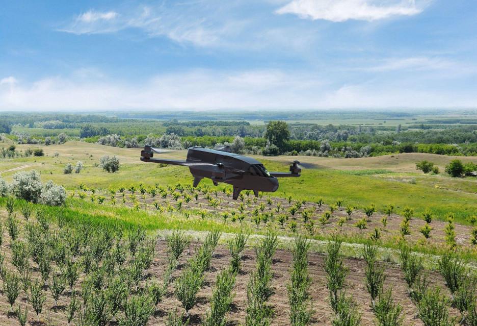Dron najlepszym przyjacielem rolnika? Oto Parrot Bluegrass