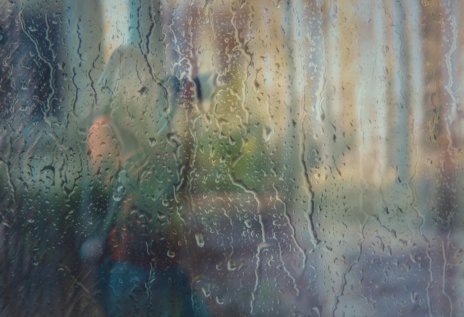 Sony, Nikon, Canon i Olympus - topowe aparaty w strugach deszczu i mgle