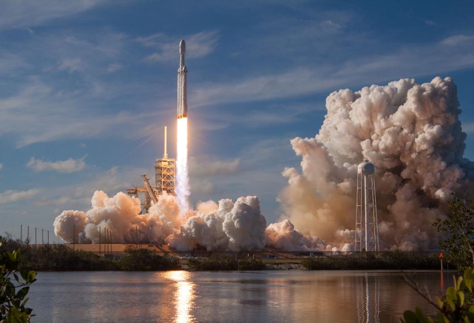 Pierwszy (udany!) lot Falcona Heavy - jak poszło?