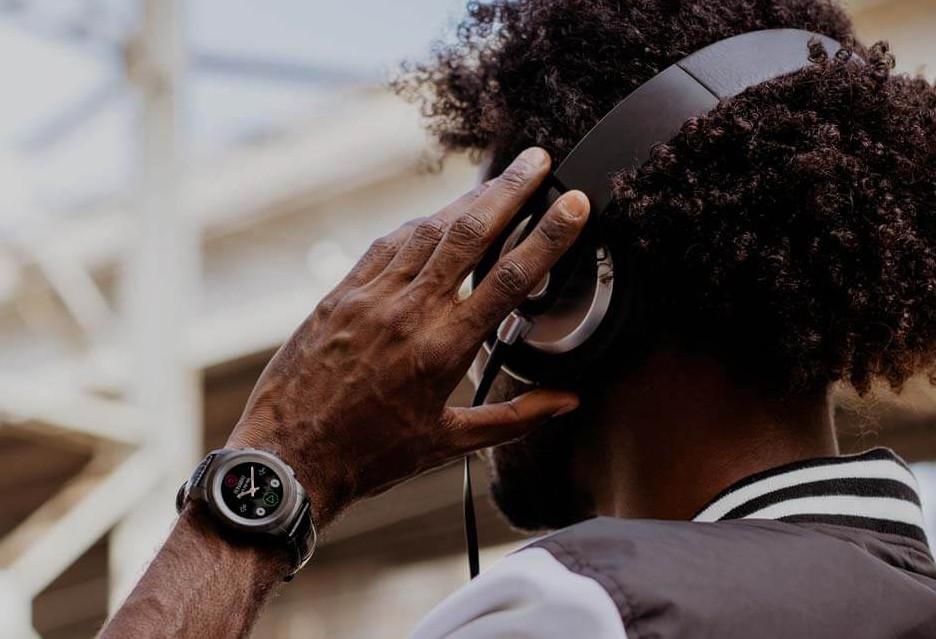 MyKronoz ZeTime Premium - nowy smartwatch ze wskazówkami