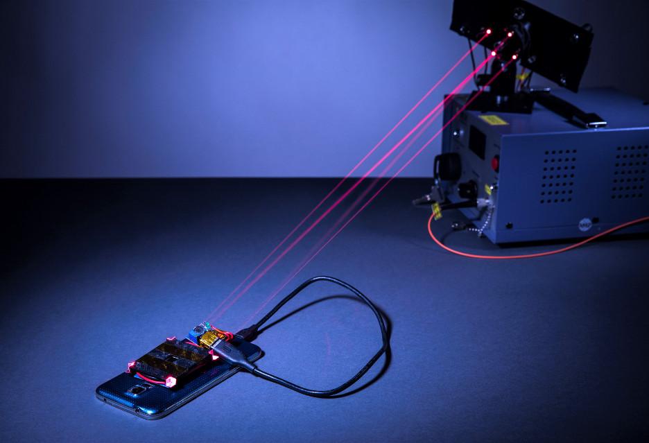 Laserowe ładowanie smartfona