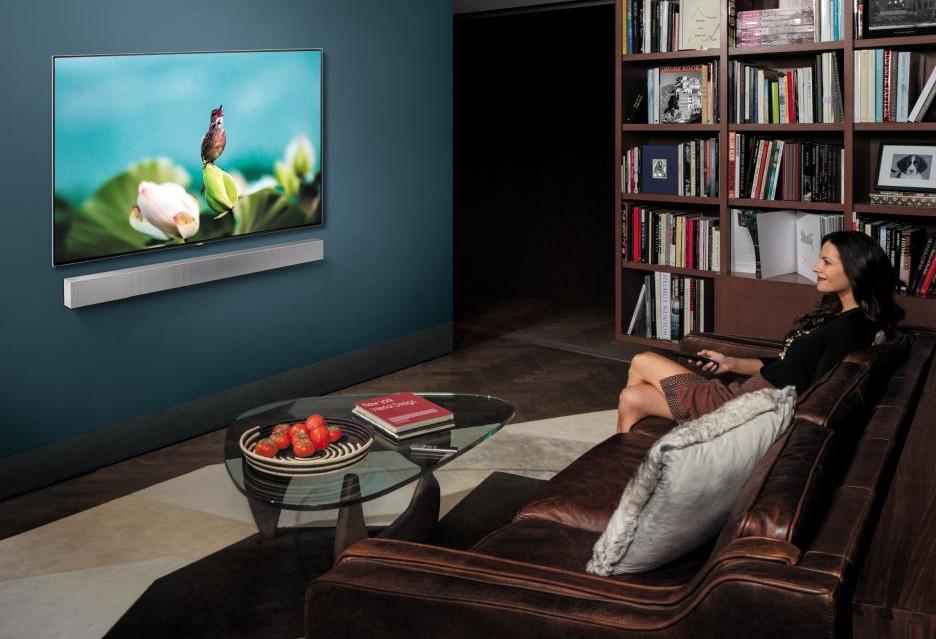 Soundbar Samsung HW-NW700 pomaga telewizorowi bez kabli