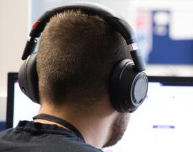 Plantronics Voyager 8200 UC - test zaawansowanych słuchawek Bluetooth