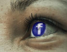 Facebookowi afery nie szkodzą